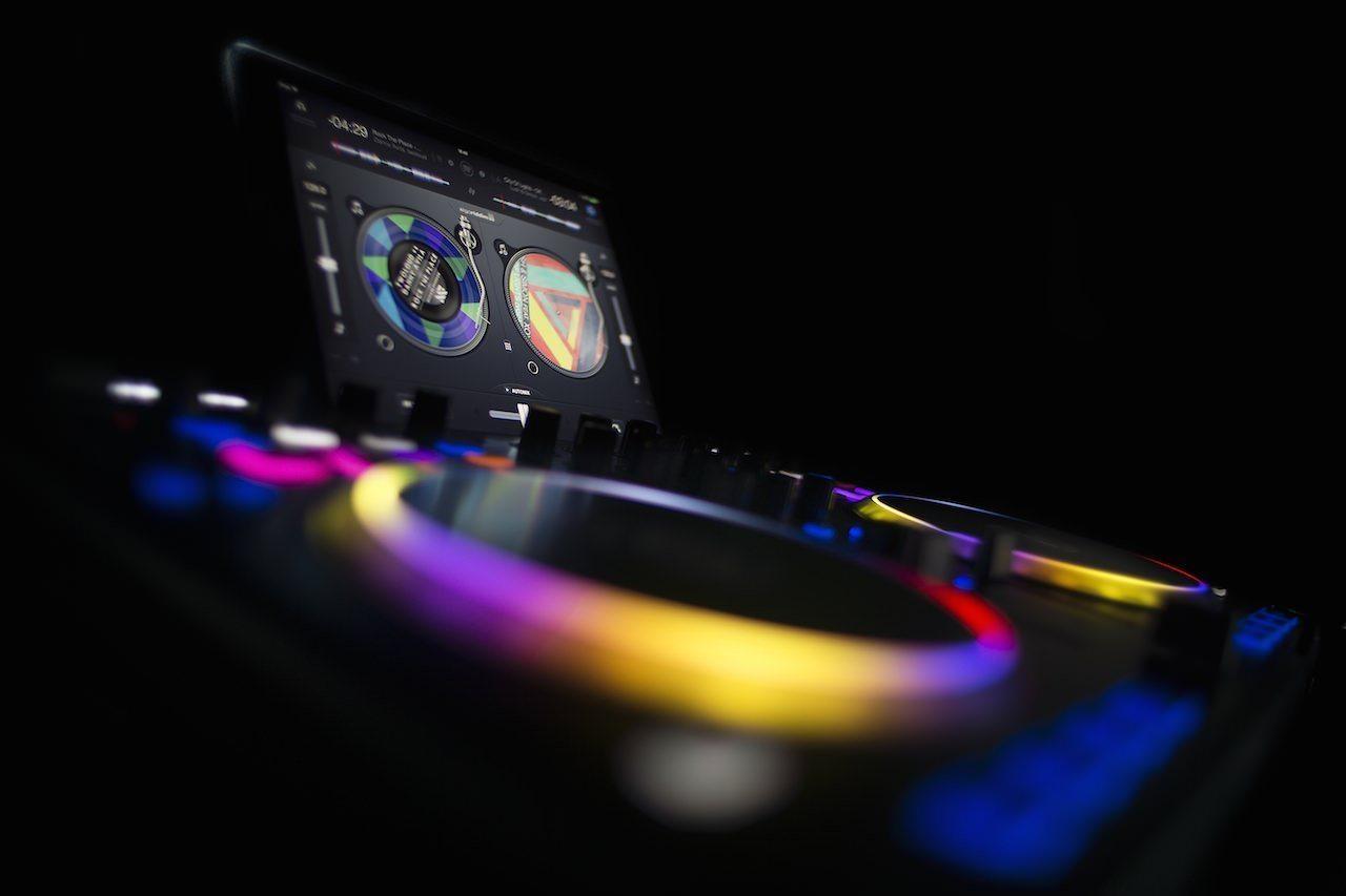 djay-spotify-Hardware-Controller_2