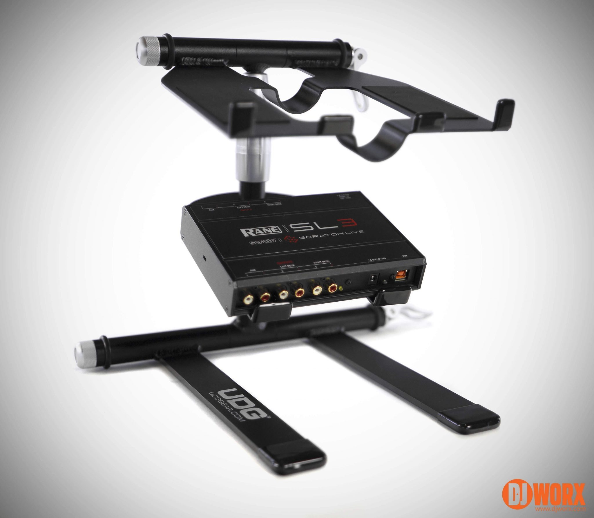 Review udg creator dj laptop stand djworx for Stand createur