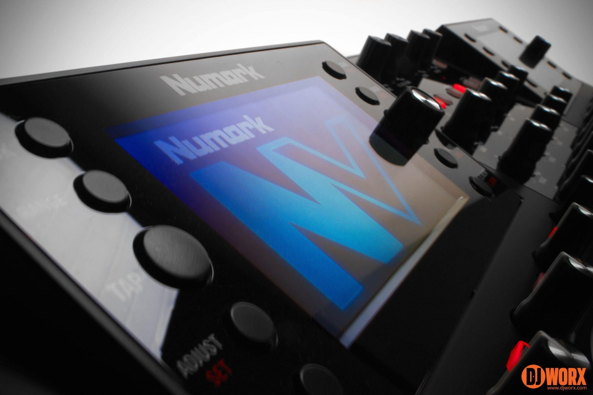 Numark NV Serato DJ controller review (21)