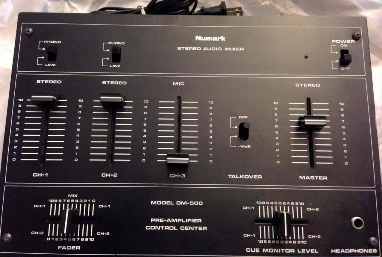 Vintage DJ mixer (2)