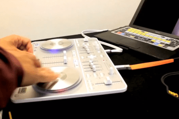DJ D-Styles on a Vestax Spin controller with djay 4