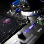 Numark IDJ Pro iOS iPad DJ Controller (7)