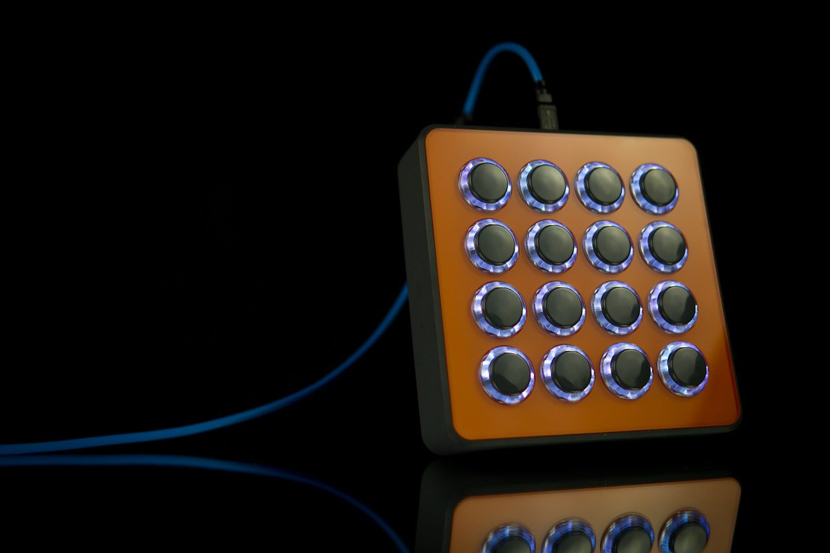 NAMM 2013: DJ TechTools Midi Fighter Spectra • DJWORX