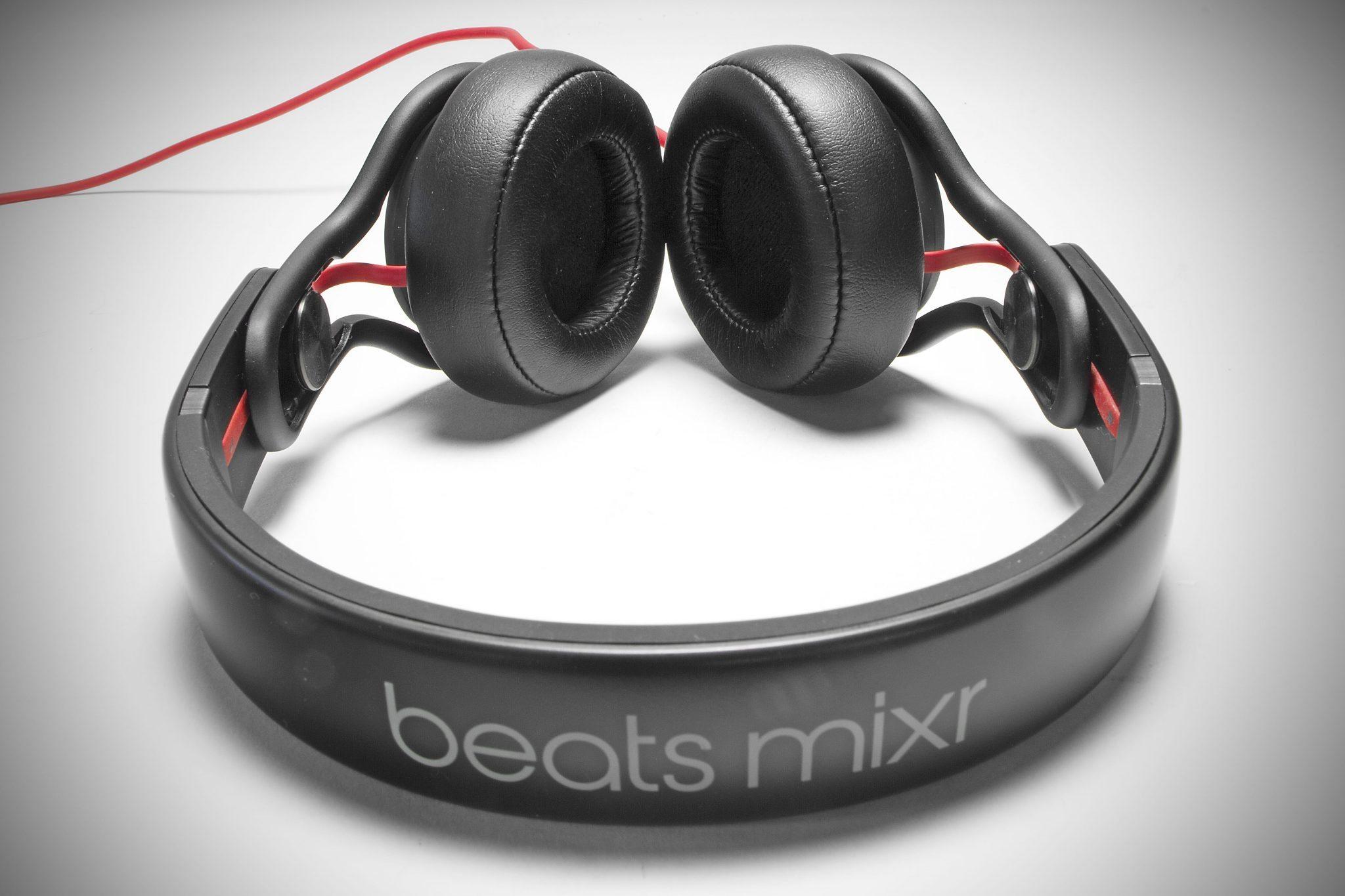 review beats by dre mixr dj headphones djworx. Black Bedroom Furniture Sets. Home Design Ideas