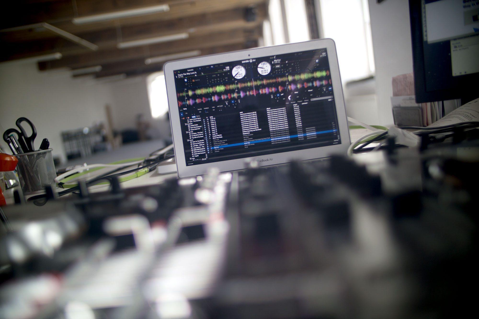 UPDATE: Serato DJ 1 2 — new multi FX and more controllers