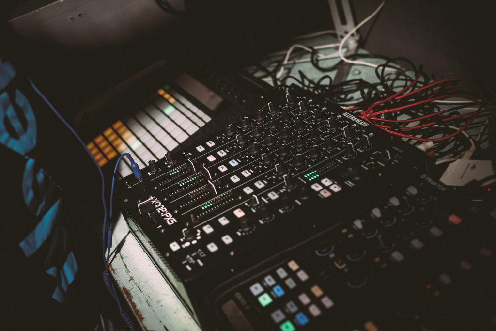 Allen & heath xone:PX5 DJ mixer review PX5 (3)
