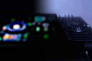 Denon DJ namm 2019 prime teaser Pioneer DJ XDJ-rx2 controller (4)