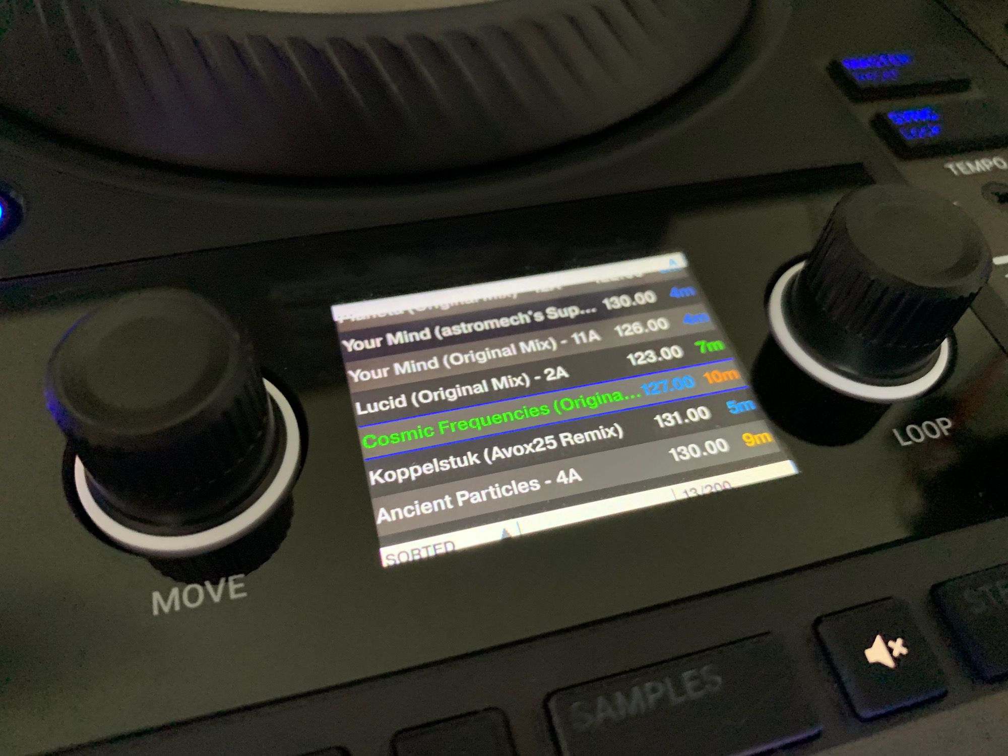 Traktor Kontrol S4 MK3 screen hack (1)