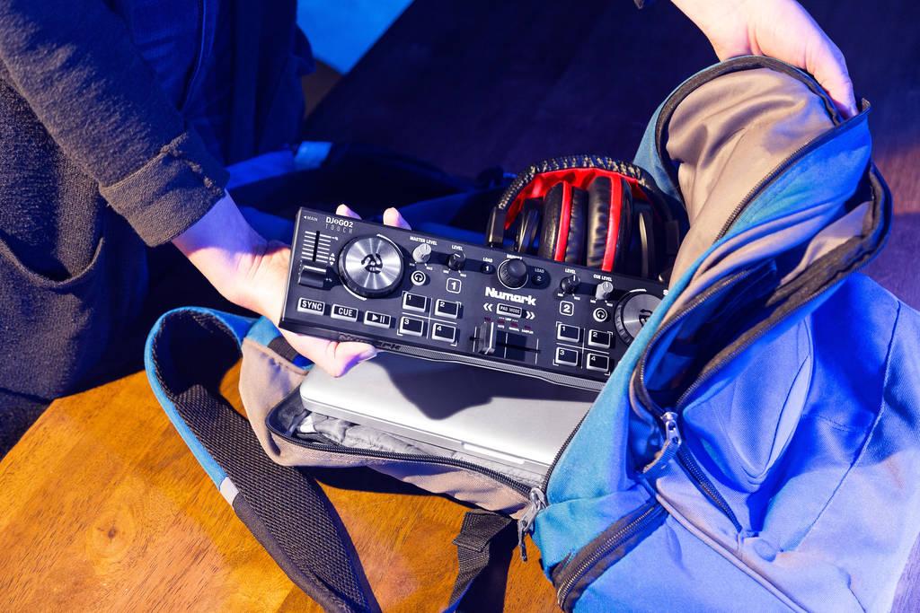 NAMM 2020 Numark DJ2GO2 Touch controller (1)