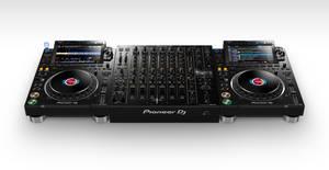 Pioneer DJ CDJ-3000 media player launch (7)