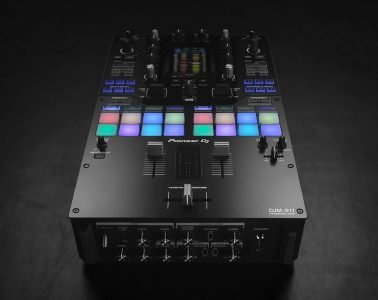 Pioneer DJ DJM-S11 mixer rekordbox Serato scratch turntablist battle (1)