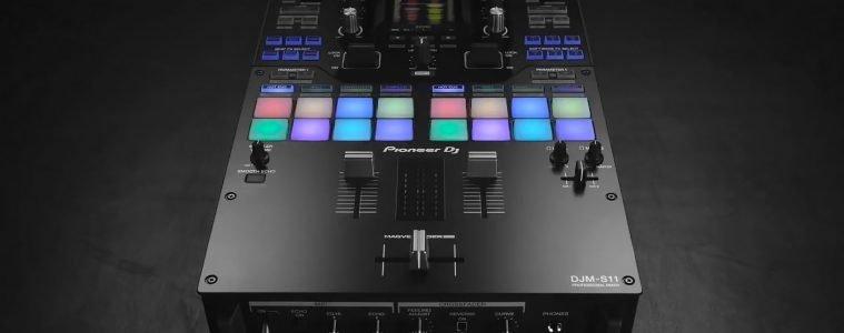Pioneer DJ DJM-S11 mixer rekordbox Serato scratch turntablist battle (1)